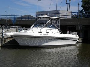Used Pro-Line 2950 Cuddy Cabin Boat For Sale