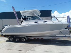 New Robalo R305 Walkaround Center Console Fishing Boat For Sale