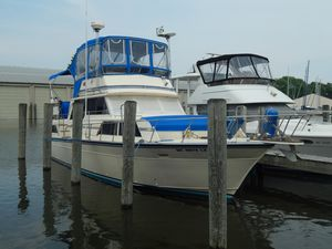 Used Marinette 39 Double Cabin Motor Yacht For Sale