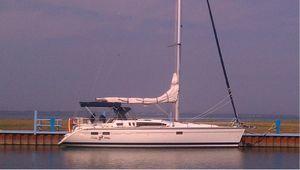 Used Hunter Legend 40.5 Cruiser Sailboat For Sale