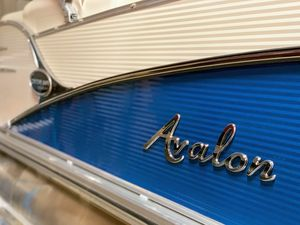 New Avalon Catalina Platinum Elite Pontoon Boat For Sale