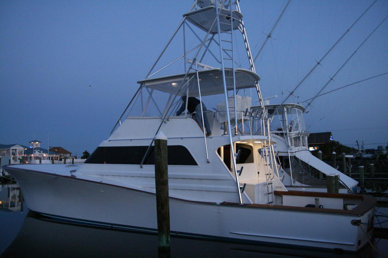 1988 used monterey custom sportfish sports fishing boat for Used fishing boats for sale in eastern nc