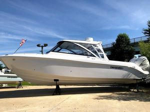 New Everglades 340 DC Cruiser Boat For Sale