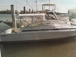 Used Bertram Moppie Express Cruiser Boat For Sale