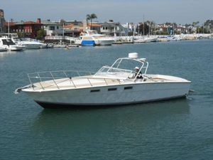 Used Magnum 35 Express Cruiser Boat For Sale