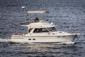 Used Cutwater 30CB Cruiser Boat For Sale