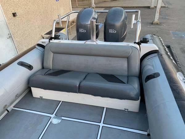 2007 Used Protector 28 Center Console Center Console Fishing