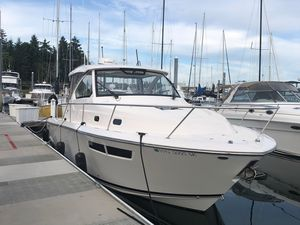 Used Pursuit OS 355 Offshore Express Cruiser Boat For Sale