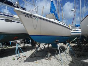 Used Catalina 27 Antique and Classic Boat For Sale