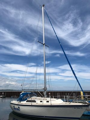 Used O'day 31 Anniversary Edition Cruiser Sailboat For Sale