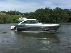 Used Formula 430 Super Sport Crossover Motor Yacht For Sale