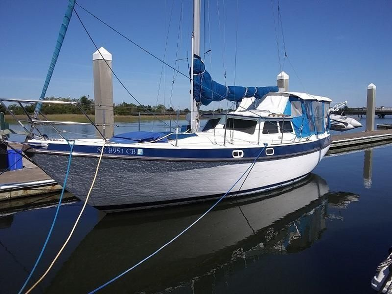 1986 Used Gulf 32 Pilothouse Cruiser Sailboat For Sale - $37,500