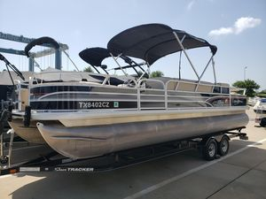 Used Tracker DLX 25 Pontoon Boat For Sale