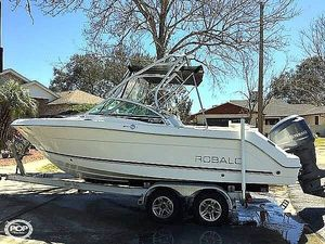 Used Robalo R227 Dual Console Runabout Boat For Sale