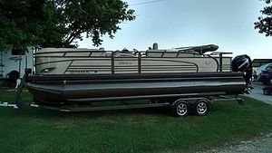 Used Regency 254 LE3 Pontoon Boat For Sale