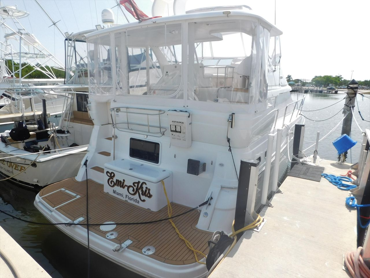 2004 Used Cruisers Yachts 39 Aft Cabin Cruiser Boat For Sale