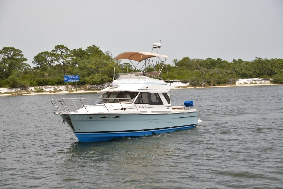 2015 Used Cutwater Command Bridge Pilothouse Boat For Sale