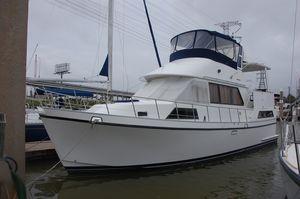 Used Golden Star Sundeck Motor Yacht Cruiser Boat For Sale