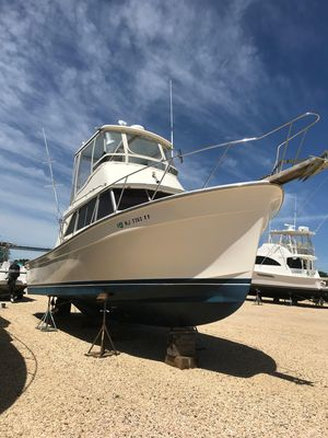 Used Henriques 35 Main Coaster Sports Fishing Boat For Sale