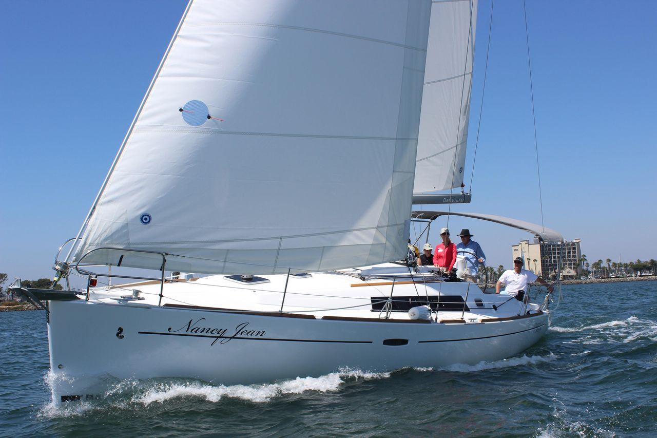 2017 Used Beneteau Oceanis 37 Cruiser Sailboat For Sale 179 000