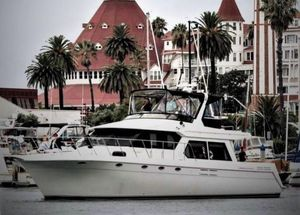 Used Navigator 5300 Classic Express Cruiser Boat For Sale