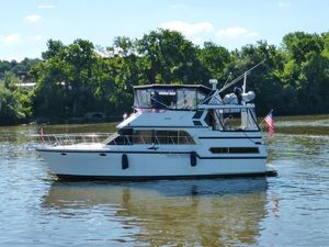 Used Jefferson 42 Viscount Sundeck Motor Yacht For Sale