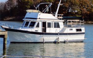 Used Senator Futura Sundeck Trawler Boat For Sale