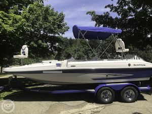 Used Glastron DS 205 DB Deck Boat For Sale