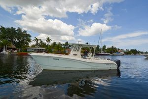 Used World Cat 295 CC Power Catamaran Boat For Sale