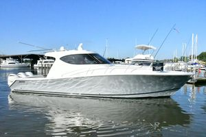Used Jupiter 41 Sport Bridge Express Cruiser Boat For Sale