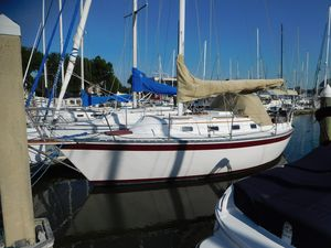 Used Caliber 28 Cruiser Sailboat For Sale