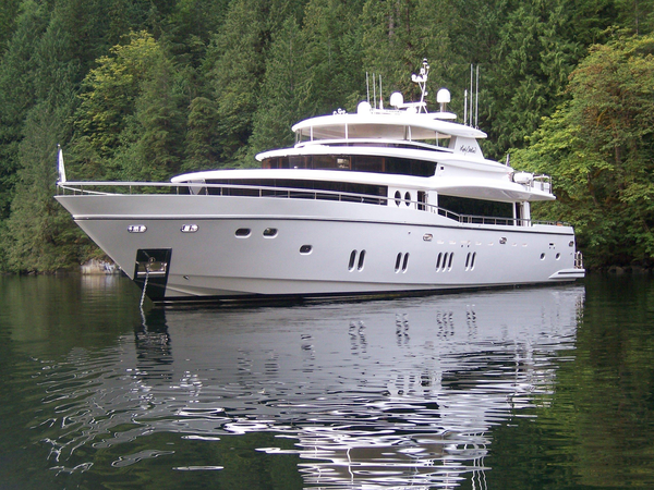 Used Johnson 105 Motor Yacht Pilothouse Boat For Sale
