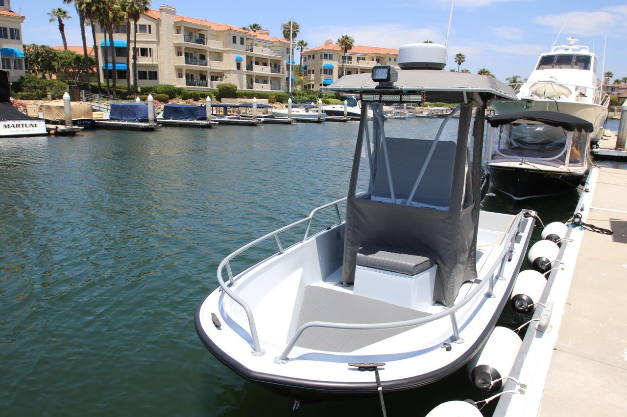 1997 Used Boston Whaler Guardian Center Console Fishing Boat