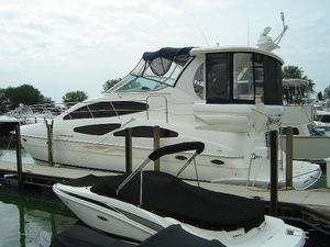 Used Cruisers Yachts 4050 Motor Yacht For Sale