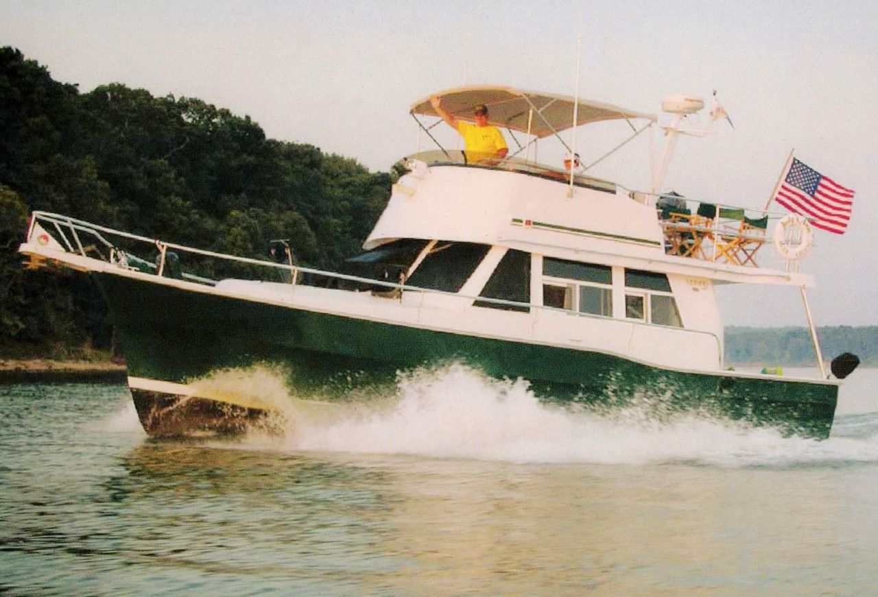 2001 Used Mainship 390 Trawler Motor Yacht For Sale