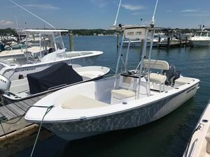 Used Sportsman 17' Island Reef Center Console Fishing Boat For Sale
