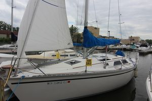 Used Hunter 30T Cruiser Sailboat For Sale