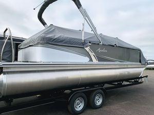 New Avalon LSZ Quad Lounger Pontoon Boat For Sale
