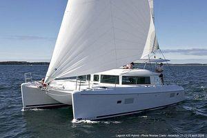 Used Lagoon 420 Catamaran Sailboat For Sale