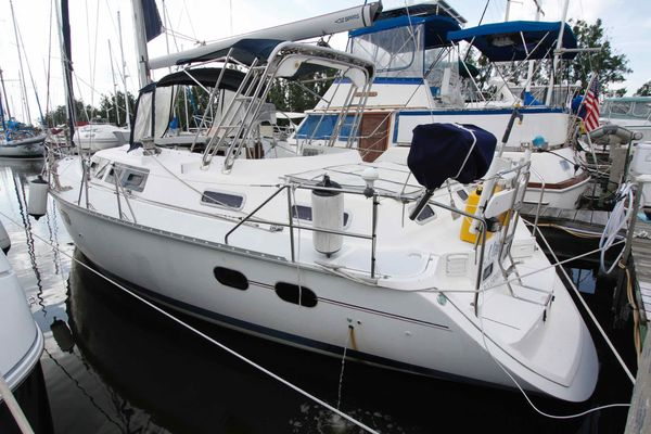 Used Hunter 42 Passage Cruiser Sailboat For Sale