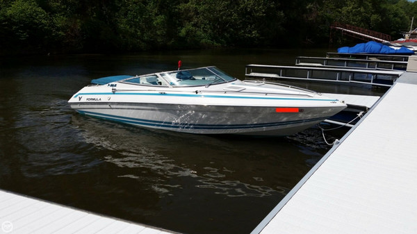 Used Formula F-232 LS Sports Cruiser Boat For Sale