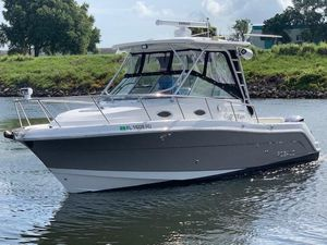 Used Robalo 305 R Sports Fishing Boat For Sale