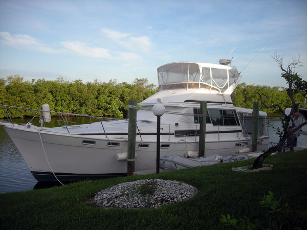 Used Bayliner 3870 Convertible Fishing Boat For Sale