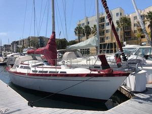 Used Mariner 39 Cruiser Boat For Sale