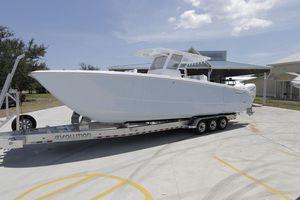 New Invincible 37 Catamaran Center Console Fishing Boat For Sale