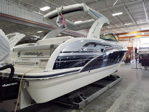New Formula 350 Crossover Bowrider Express Cruiser Boat For Sale