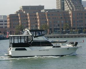 Used Uniflite DBL Cabin Motor Yacht For Sale