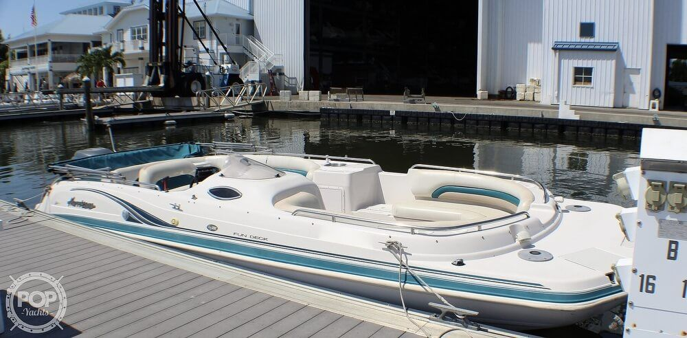 2003 Used Hurricane Fundeck Gs232 Deck Boat For Sale