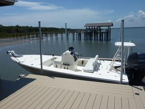 Used Hewes Redfisher - 18' Center Console Fishing Boat For Sale