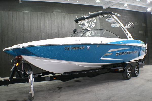 Used Malibu MXZ Wakesetter Ski and Wakeboard Boat For Sale